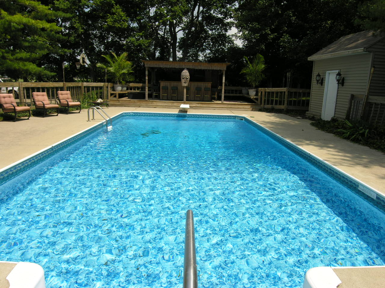 How To Maintain A Clean Pool – Tips and Tricks