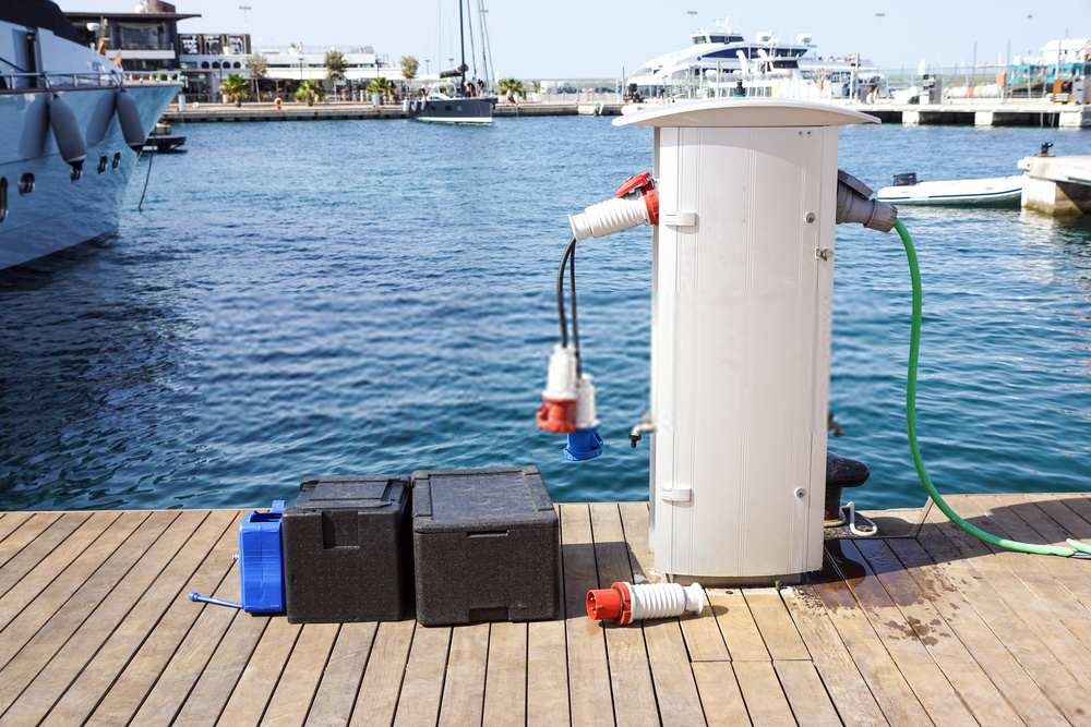 Best Deep Cycle Marine Battery 2020 | Buying Guide