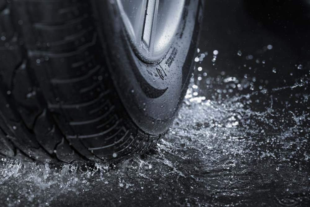 Best Tires For Rain 2020 | Top 5 Wet Weather Tires Reviewed | Buying Guide